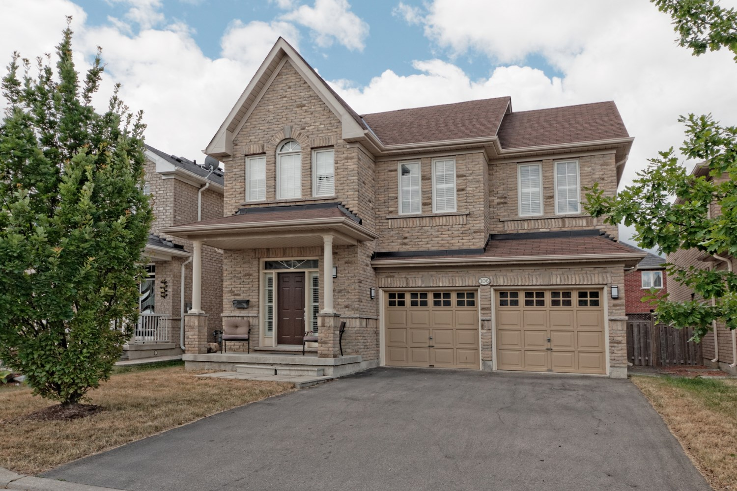 JUST LISTED IN THORNHILL WOODS 106 RIVINGTON AVENUE
